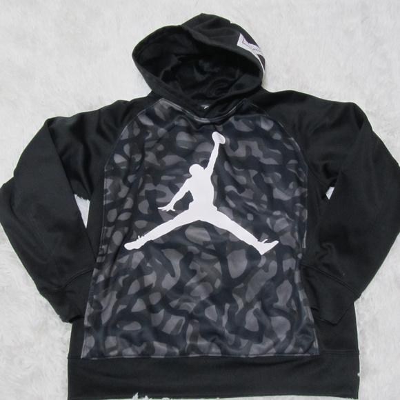 d311617df36f Jordan Other - Air Jordan Therma-Fit Pullover Hoodie Boy s Size L